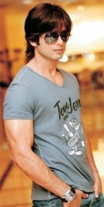 shahid-kapoor-hair-style-shahid-kapoor-shirt-dress-style-pictures-pics-shahid-kapoor-photos-images-wallpapers-shahid-kapoor