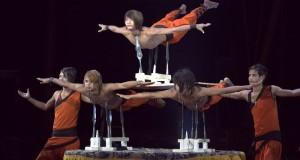 On the edge Rambo Circus-L